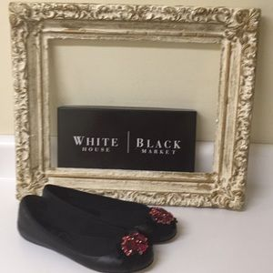 White House Black Market flats size 8 1/2